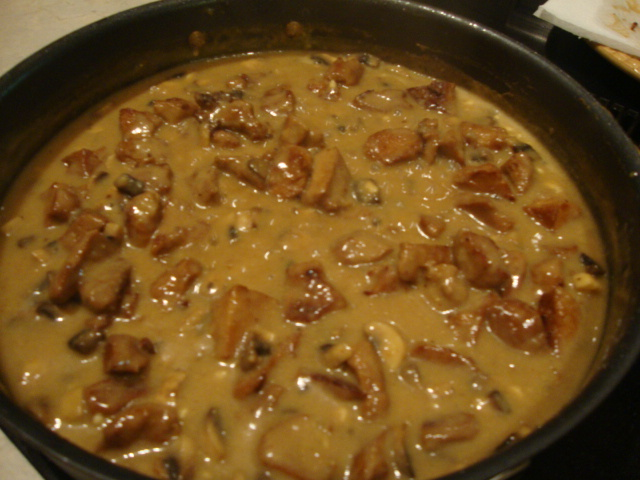 Tempeh (or Seitan) in Hearty Mushroom-Mustard Sauce -- Epicurean Vegan