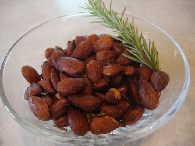 Rosemary Roasted Almonds -- Epicurean Vegan