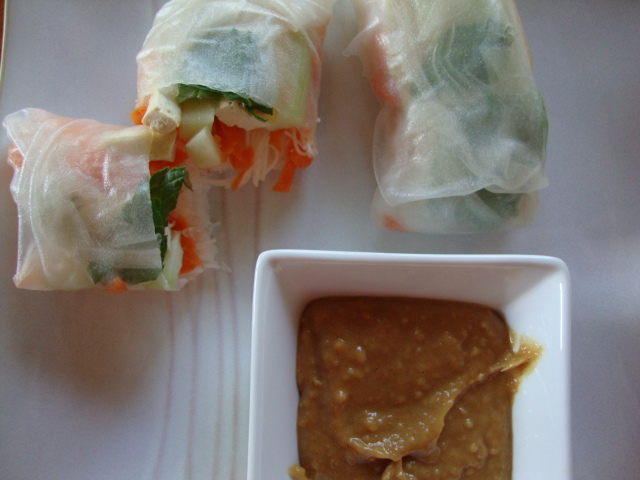 Spring Rolls with Peanut Dipping Sauce -- Epicurean Vegan