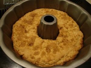 Almond Sour Cream Coffee Cake -- Epicurean Vegan