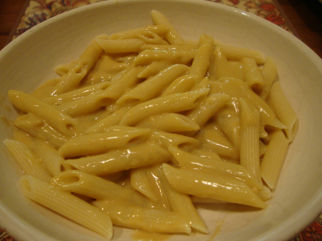 Amazing Mac 'N Cheez Sauce -- Epicurean Vegan