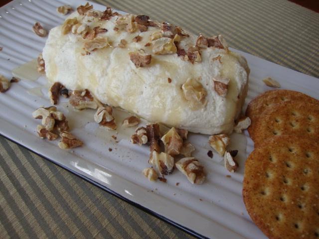 Almond Cheeze Log -- Epicurean Vegan