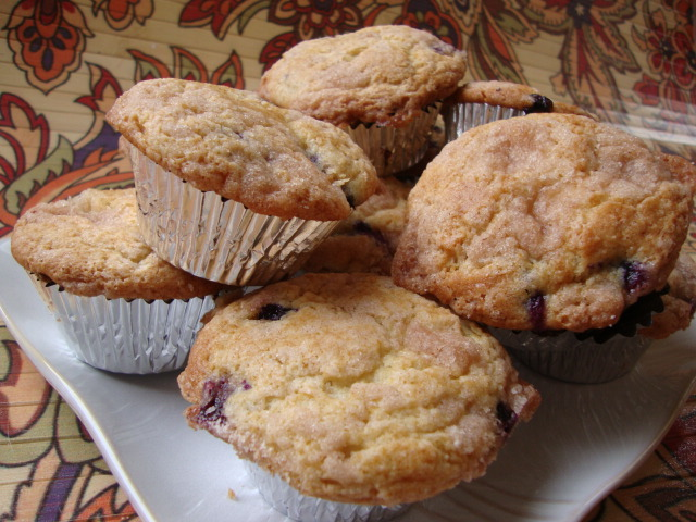 Blueberry Muffins with Crumb Topping -- Epicurean Vegan