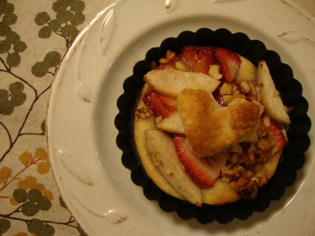 Strawberry-Pear Tarts -- Epicurean Vegan