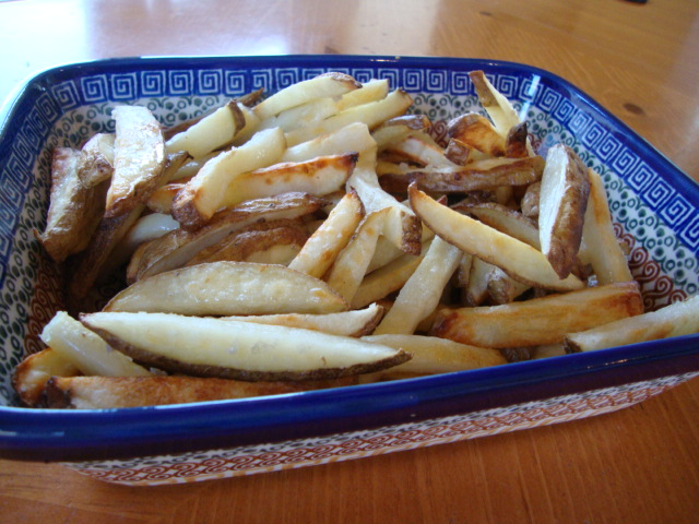 Baked Fries with Sea Salt and Truffle Oil -- Epicurean Vegan
