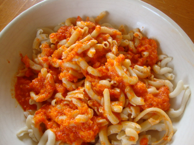 Pasta with Roasted Red Pepper Sauce -- Epicurean Vegan