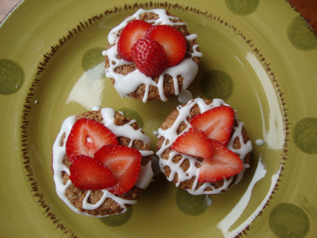 Strawberry Cupcakes -- Epicurean Vegan