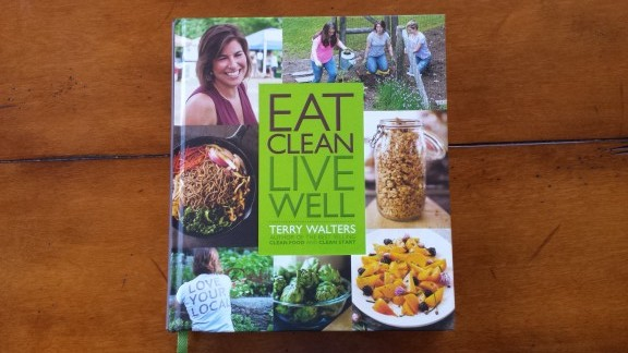 Eat Clean Live Well Review -- Epicurean Vegan